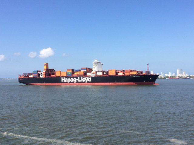 Valparaiso Express, Cartagena, Contecar, Hapag Lloys, 10.50 TEU, buque, neopanamax, información marítima y portuaría