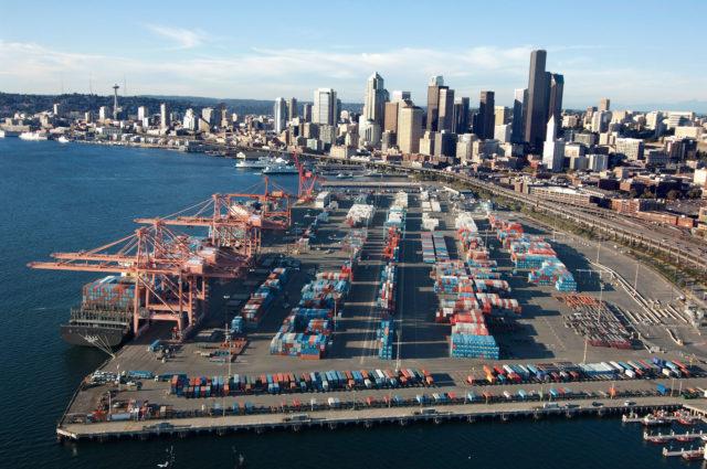 Trump, transporte marítimo, ley prohibición, migración USA, información marítima y portuaria, Estados Unidos, USA, marineros, tripulantes,