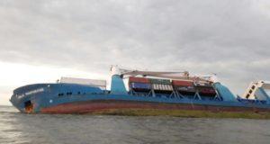 Ecuador, Isla Bartolomé, Transnave, DIRNEA, Guayaquil, Galapagos, encallamiento, incidente marrítimo, Salvage, Información marítima y portuaria